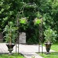 Кованая арка для сада